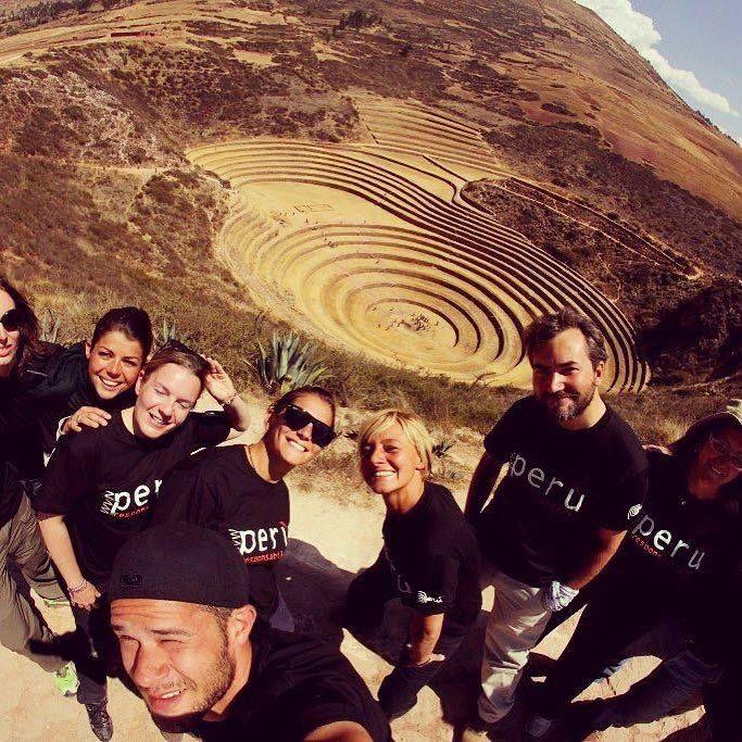 Bellissimo gruppo bellissime facce!! Ovviamente sono #faccedaviaggio #peru4x4 #instatravel #instaperu #vallesagrado #responsibletourism #responsibletravel