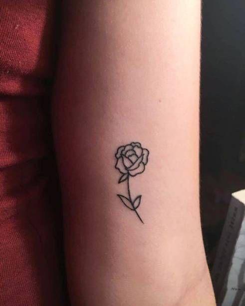 Às vezes o que impede de fazer a tatuagem é o medo. Mas, que tal começar com um desenho delicado?