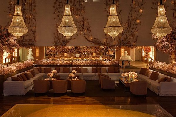 chandeliers and lounge layout