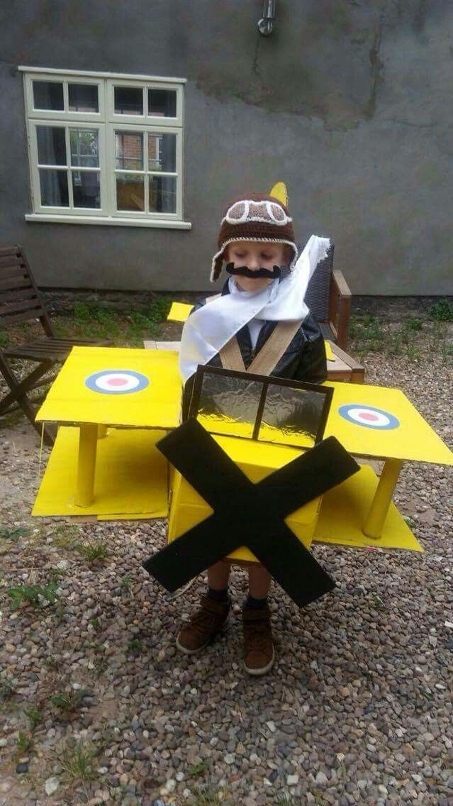 Lucas' Tiger Moth Plane and Pilot Outfit