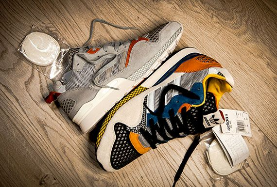 We recently spotted these beauties in the US and we are now happy to see they have appeared in Europe ... Of course we are talking about the Adidas ZXZ 930