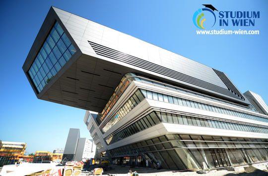 Университет предлагает обширную программу обучения, основной фокус которой является сфера экономики. Венский экономический университет дает возможность получения целого ряда экономических специальностей, востребованных на международных рынках труда.
