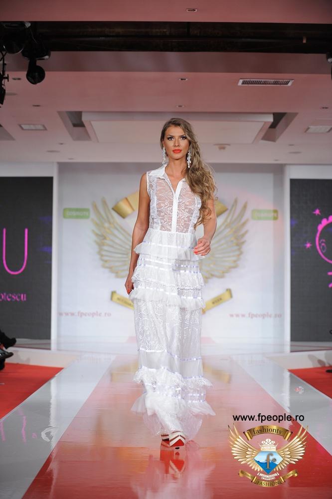 Clara Rotescu - Bucharest Fashion Week 2012
