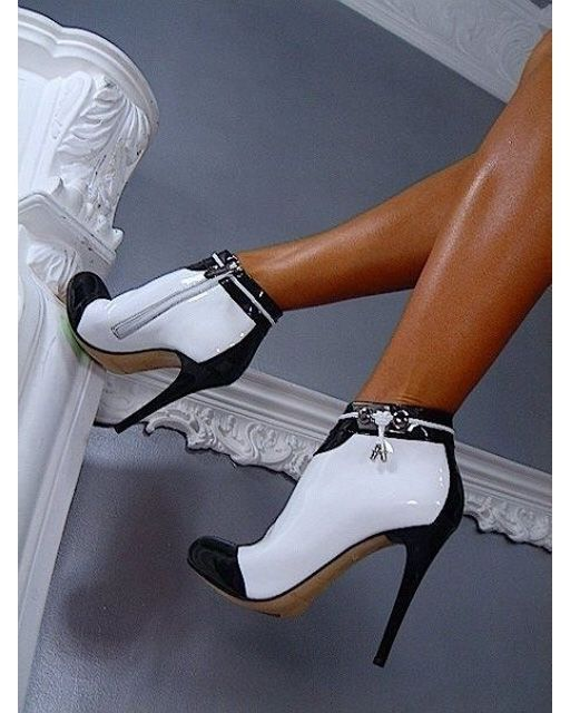 Two-tone: black and white high heels booties www.ScarlettAvery.com