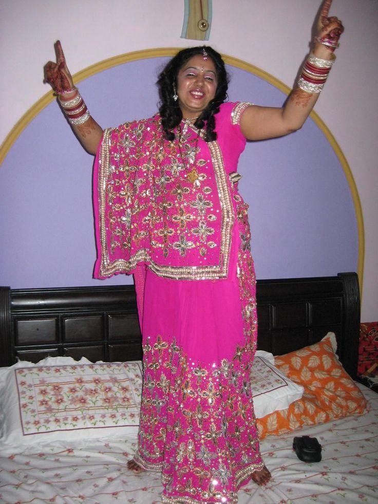 @Admyrin #selfieinsaree every karavachuth I wear saree on my hubby demand , he saysI look divine in it