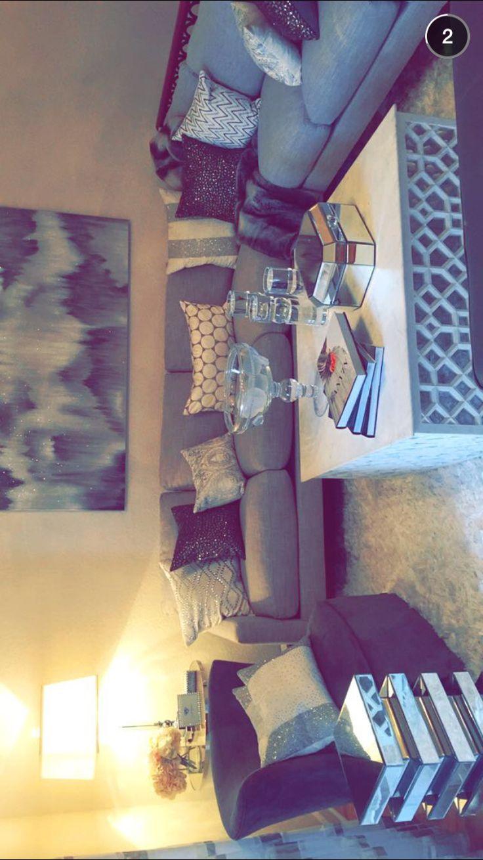 Jaclyn Hill's living room