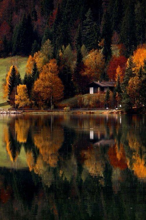 #lake #fall #autumn #outdoors #nature #cabin #lakehouse