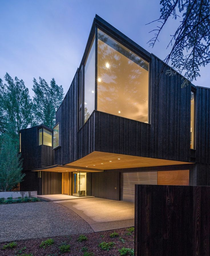 Blackbird House with charred Shou-Sugi-Ban Cypress boards