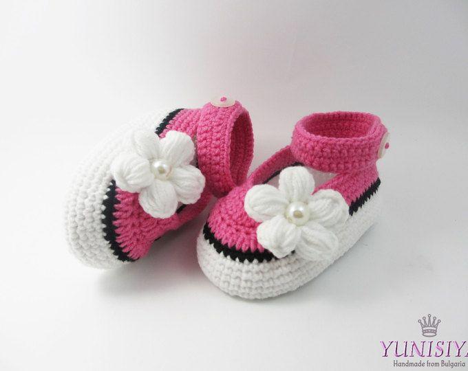 72 best zapato niño images on Pinterest | Crochet baby booties ...