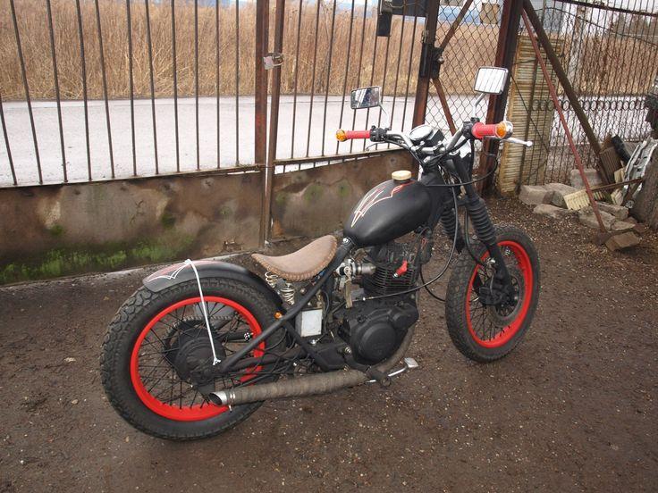 Yamaha sr125 bobber.
