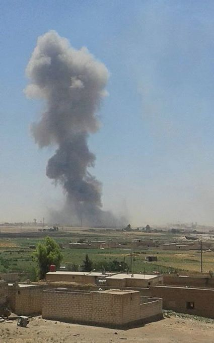 """sylezjusz sur Twitter : """"#Hasakah: Daesh VBIED blown up by #YPG near power conversion station just an hour ago http://t.co/YvDUgDGcJV"""""""