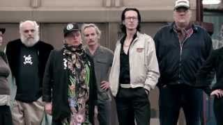 Die Goldenen Zitronen – The Investor (Official Video) Music Video Posted on http://musicvideopalace.com/die-goldenen-zitronen-the-investor-official-video/