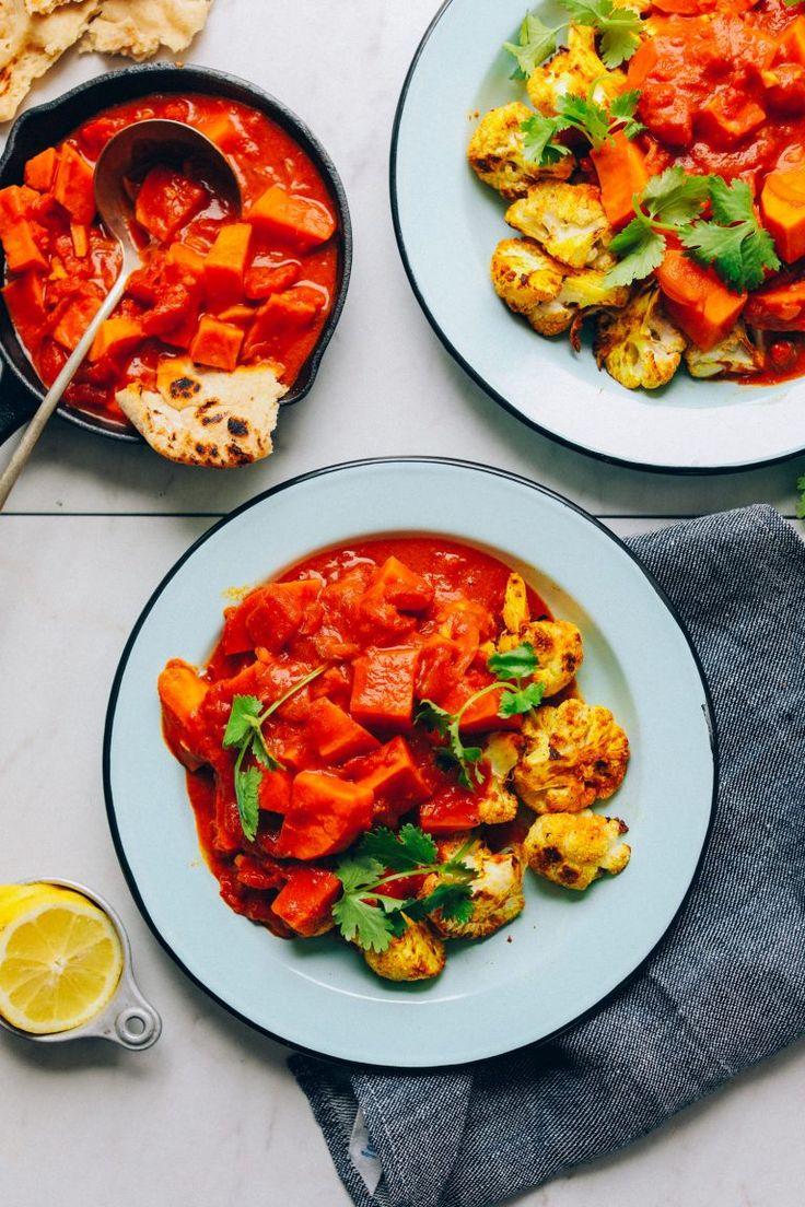 Due ciotole per la cena con Curry di cavolfiore di patate dolci per un veloce …