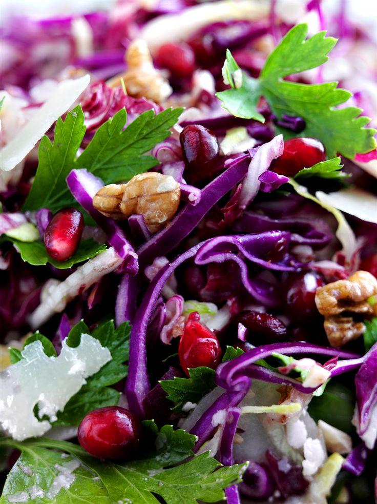 Fantastisk rødkålsalat med fennikel, granateple og parmesan. Prøv den!