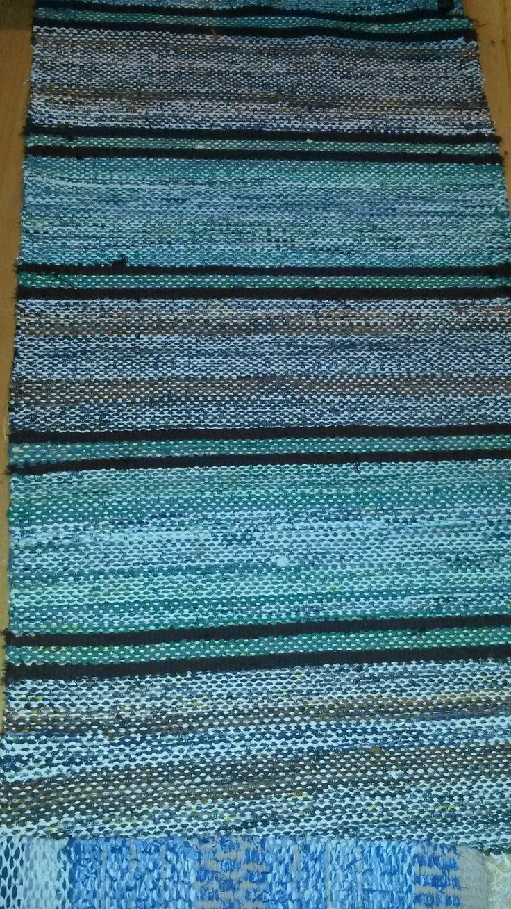Vanha räsymatto. Old rag rug.