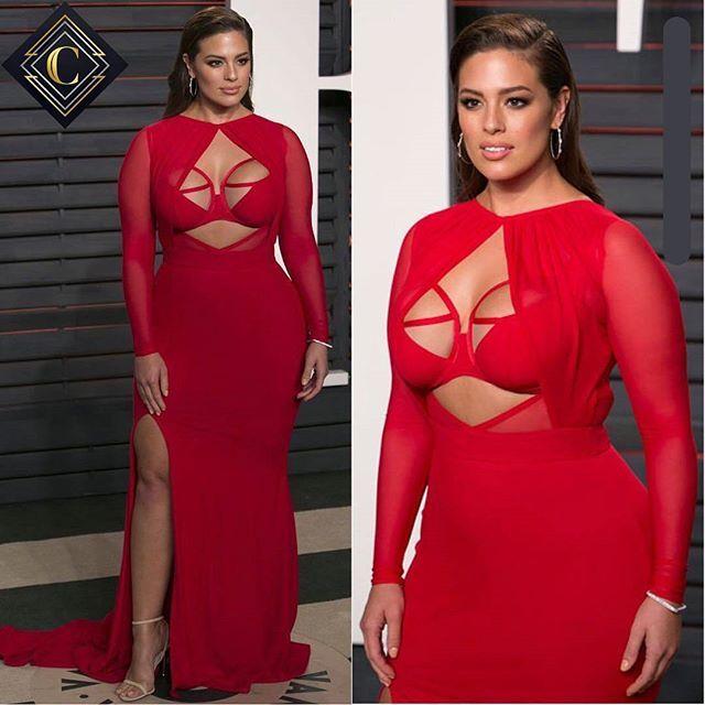 Reposting @_celebrities_of_the_world_: Happy Birthday, Ashley Graham! The model is celebrating her 30th birthday today. - @_celebrities_of_the_world_  Follow us!!! - - -  #like4like #like #l4l #followforfollow #f4f #ashleygraham #baotranchi #redcarpet #fashion #fashionista #instafashion #instaglam #glamour #beauty #stylishstarlets #celebrity