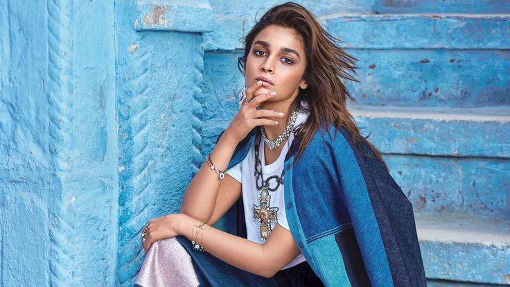 Style in stunning #jewellery from #Gehna for recent #VogueMagazine coverage, #AliaBhatt is sure to take your breath away