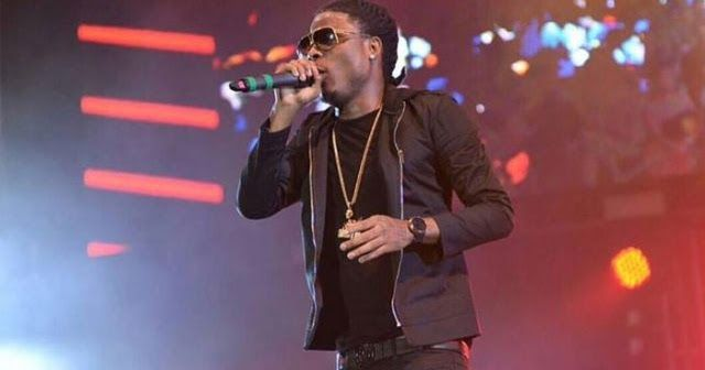 Masicka Diss Alkaline & Foota Hype at Magnum Live Concert http://ift.tt/2i8hPxn  Fast rising dancehall sensation Masicka decided tostate just how he feels about sound selector and social commentatorFoota Hype and the Vendetta Boss Alkaline during his performance at the first staging of Magnum Live. The Gennahsyde leader took a short break from his energetic performance to address his long standing beef with Foota Hype who he claim is carrying psy feelings since he did a raunchy song with the…