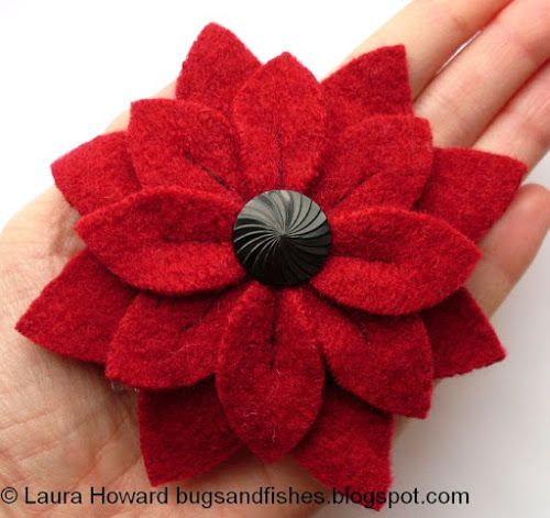 Tutorial-Flowers can be used as brooches or haircombs.  Bugs and Fishes by Lupin