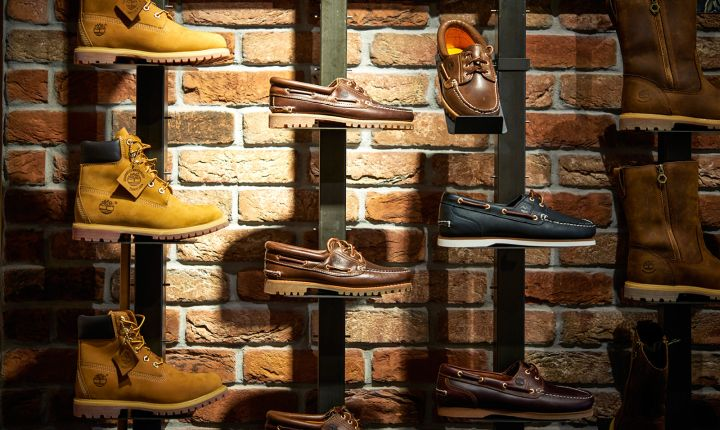 Tube Steel against Brick.  Love this!  Timberland store by ARNO, Sulzbach   Germany outdoor
