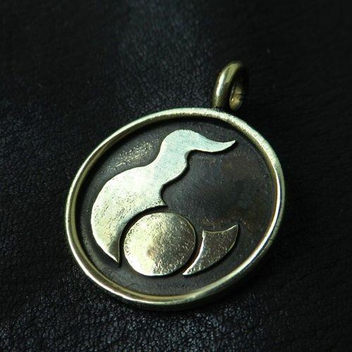 Bronze Tzeentch pendant. Warhammer 40000. W40K. Chaos Gods. Trickery. Change. #Pendant