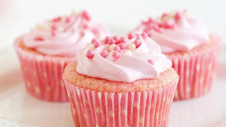 With some pink lemonade concentrate and a box of Betty Crocker™ SuperMoist® natural vanilla cake mix, you can create uniquely colorful pretty-in-pink cupcakes.
