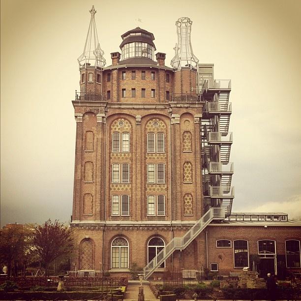 archiverdure: Da torre dell'acqua ad albergo e ristorante: Villa Augustus