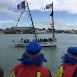 Pour mieux voir LE #carnaval Granville utilisez le bateau pic.twitter.com/UFBzvYgszr