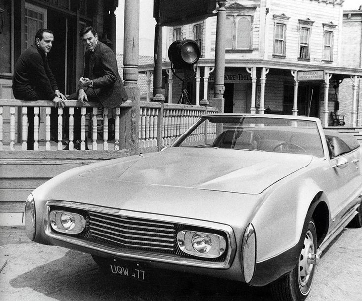 George Barris on the left and actor Mike Connors on the set of Mannix.