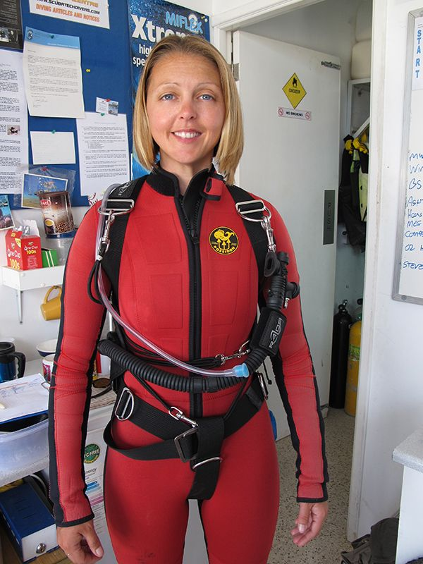 Shelley gets ready for Sidemount Diving in Cyprus. Now the Razor System is set up, we are ready for action in the water