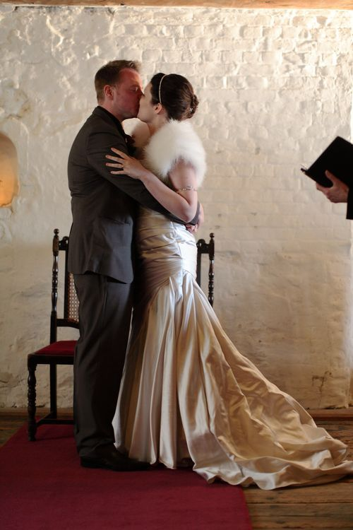 Romantic wedding kiss at Upnor Castle