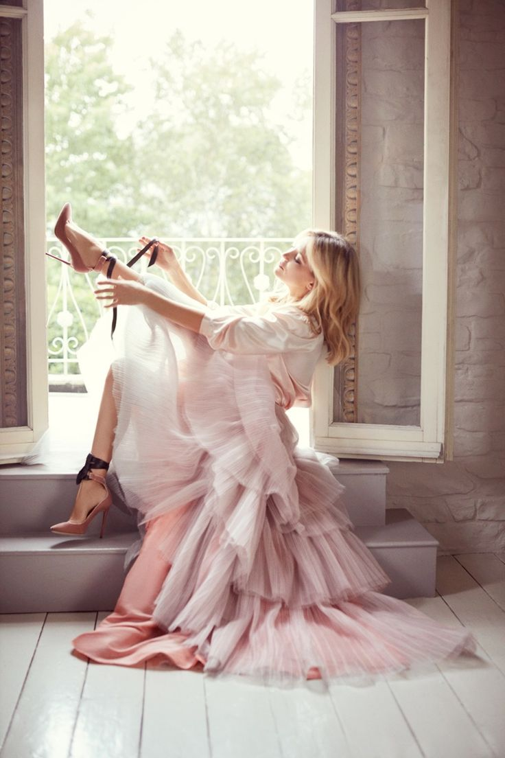 Kate Hudson for Jimmy Choo Fall '15 || posted by haute-vanity