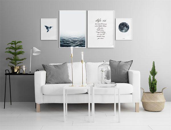 Snygg inredning till vardagsrum. Detaljer i guld och mässing. Snygg grå vägg.