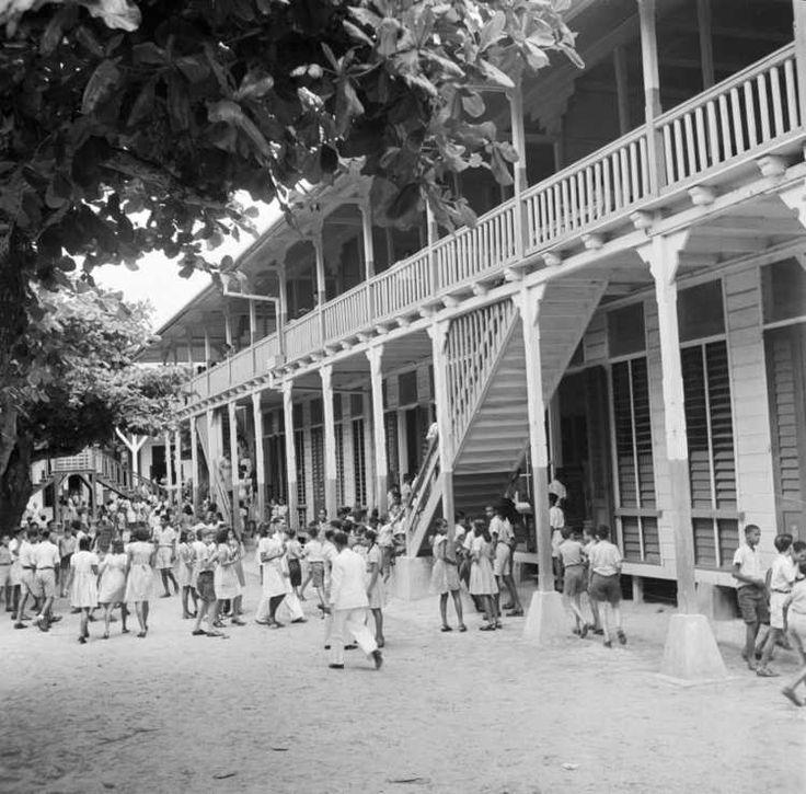 Onderwijs in Suriname -De Hendrik MULO