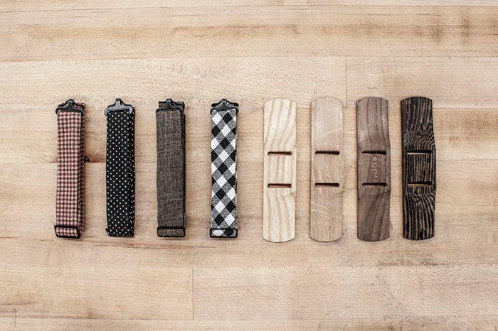 Коллекция деревянных бабочек с текстильными ремешками от TAKD Design.