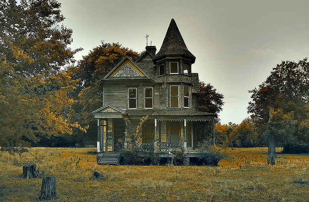 This Victorian mansion in Texas. | 17 Abandoned Places That Will Give You Chills