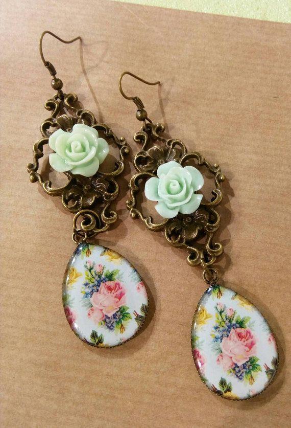 Guarda questo articolo nel mio negozio Etsy https://www.etsy.com/listing/484657292/shabby-chic-romantic-roses-on-bronze