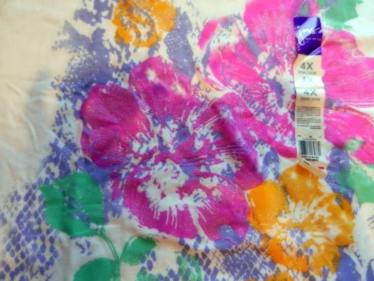 Just My Size Womens Sz 4X (24/26) TShirt Top Short  Sleeve White Colorful Flower