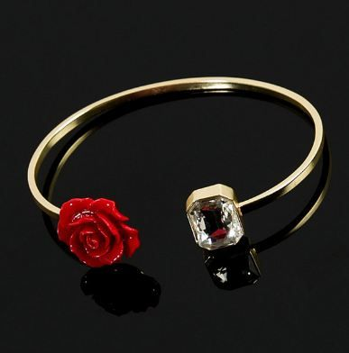 Flower-power your love with our collection of handcrafted roses in passionate reds. #RougeCollection.  Explore Here: https://goo.gl/H4CH8E