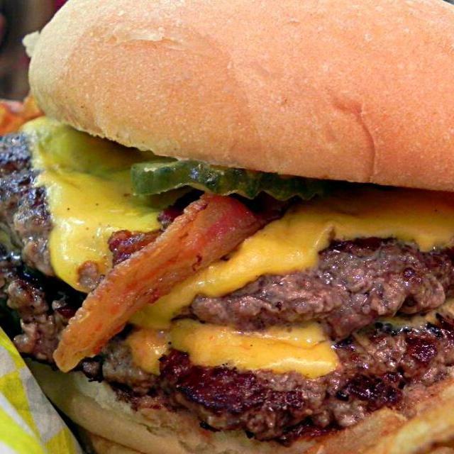 レシピとお料理がひらめくSnapDish - 29件のもぐもぐ - Bring On The Beef  TruBurger in New Orleans  ♨  served up thisv Delicious Double Bacon Cheeseburger  #Foodgasmic #Hamburger by Alisha GodsglamGirl Matthews