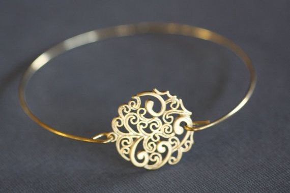 Gold Bangle Bracelet,Paisley Round, Filigree , wire bangle, gold bracelet, minimalist jewelry, bridal bracelet, bridesmaids gifts