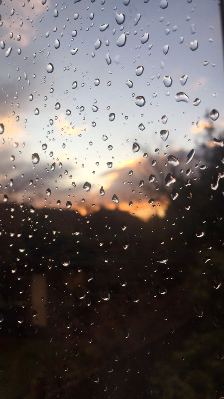 Bit Of Rain And Sun On A Window Rain Wallpapers Photography Wallpaper Rain Photography