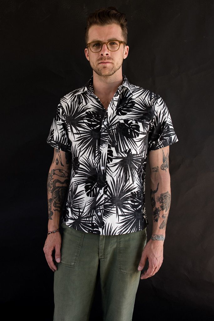 DILLON SHIRT BLACK/ WHITE HAWAIIAN PRINT 80%CO 20%F MADE IN NEW YORK Model is 5'11, 170lbs, and wears a size Medium.