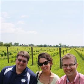 Cantine Aperte 2014 by shuttle bus!!!! A free shuttle bus service is offered from the Wine and Food Route of Pordenone to all people that want to discover 7 wineries of this territory.