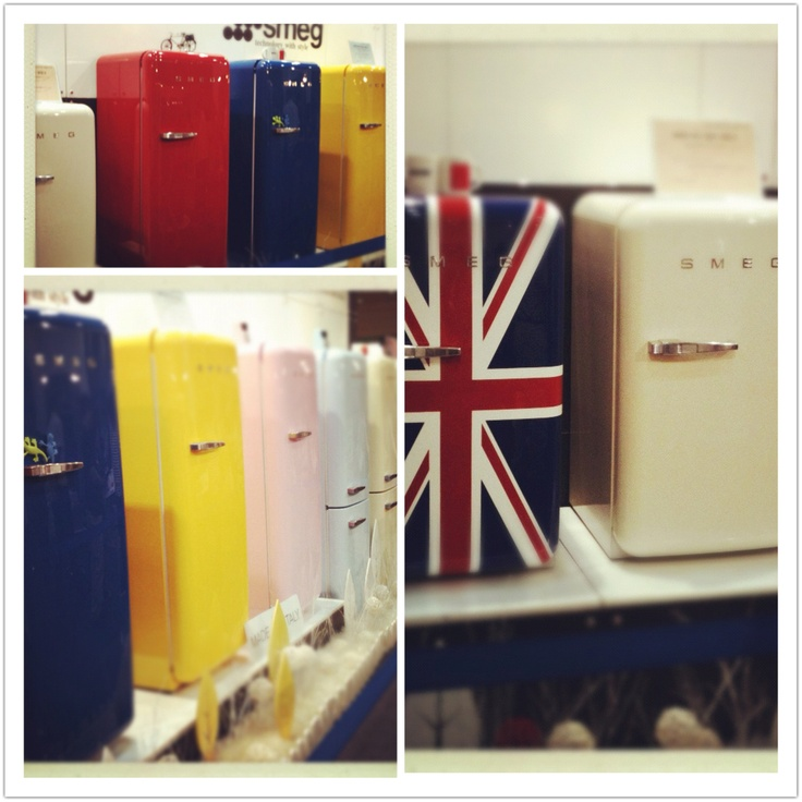 하우징페어 전시장에서 본 이쁜 냉장고...