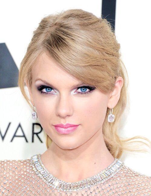 Taylor at the 2014 Grammys