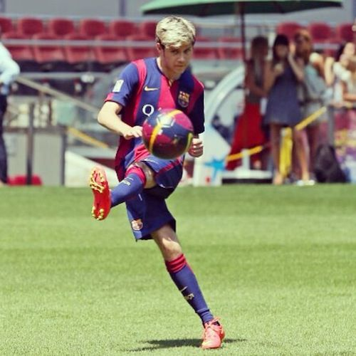 Niall Horan's Soccer Pic Is the Best Thing You'll Ever See | M Magazine