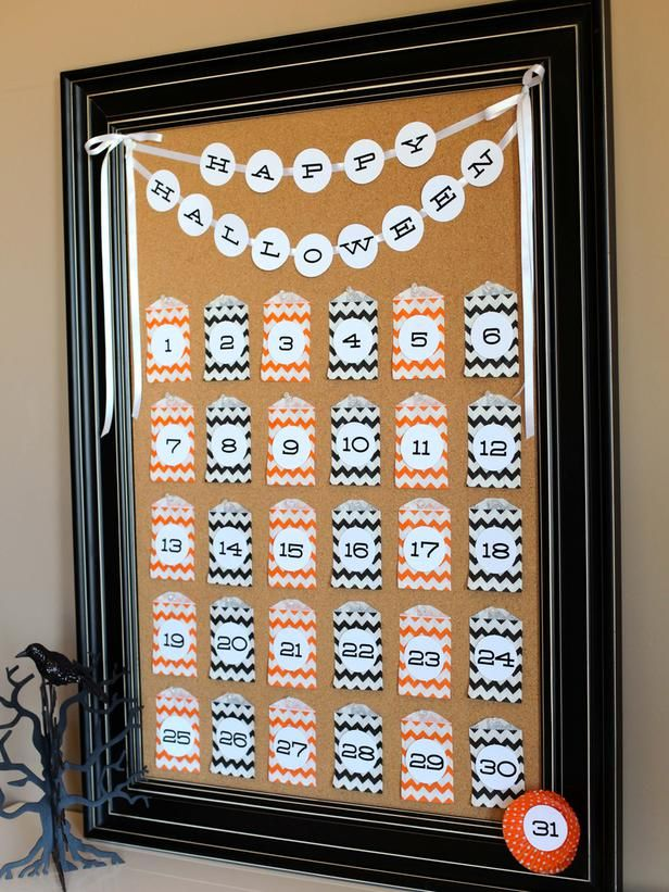 Kids love to count down the days until Halloween. Use a bulletin board, mini paper bags and printable numbers to create this easy countdown calendar.: Christmas Countdown, Crafts Ideas, Countdown Calendar, Halloween Countdown, Advent Calendar, Fun Games, Tomkat Studios, Diy Network, Halloween Ideas