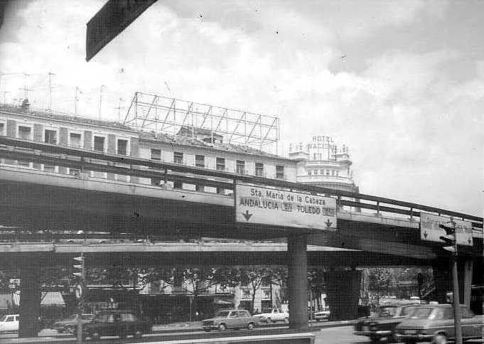 Escaléxtric Glorieta de Atocha. Madrid, mayo de 1975