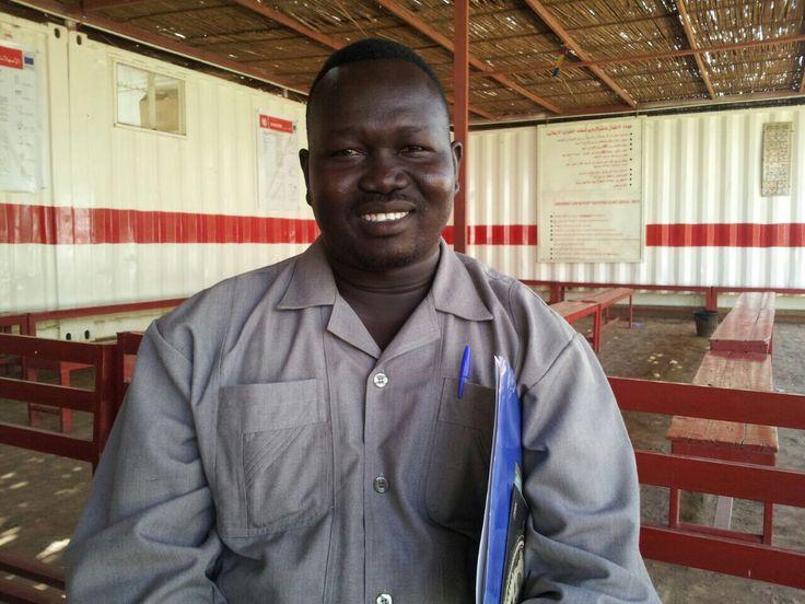 """« @emergencyong ci ha dato i mezzi, ora voglio fare la mia parte e mettere in pratica tutto ciò che ho imparato» Leggi il racconto completo di Ali, """"Village Volunteer"""" nel campo profughi di Mayo in #Sudan, su http://www.emergency.it/sudan/mayo-volontari-sentinella-ali-abdurahim-amdan.html?utm_source=pinterest&utm_medium=social&utm_content=allistante&utm_campaign=sudan"""
